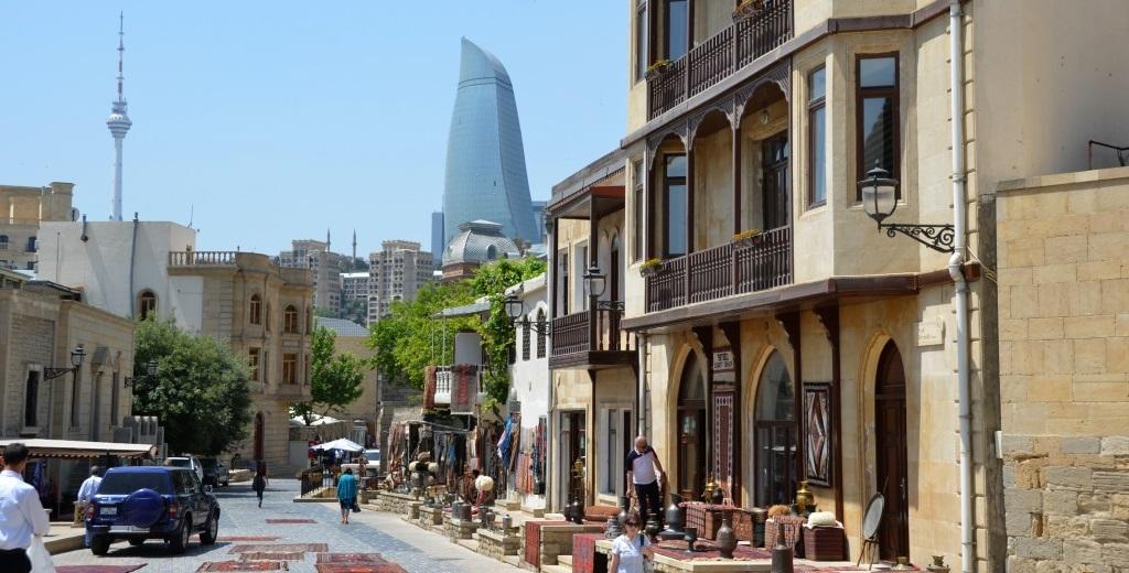 cotravel Aserbaidschan & Georgien mit Heidi Tagliavini_Baku