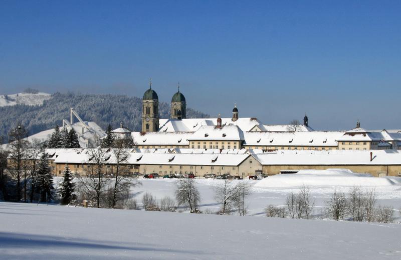 cotravel Stammtisch Winterwanderung Einsiedeln Schwyz Kloster