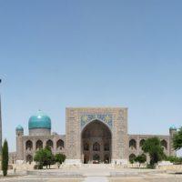 cotravel Blog ARTIKEL_Usbekistans Nationalheld von Michael Wrase_Registan-Platz Samarkand