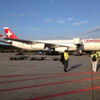cotravel Stammtisch_Führung Flughafen Zürich_Swiss Flugzeug Tarmac