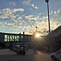 cotravel Stammtisch_Führung Flughafen Zürich_Tarmac Brücke Sonnenuntergang