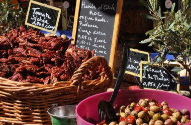 Studienreise-Provence-Marktstand