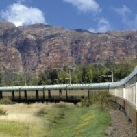 Studienreise-Cover train bend left-Shongololo X